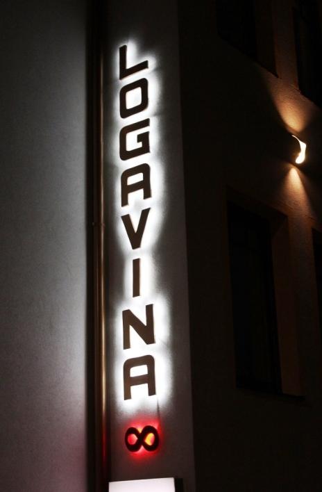 Neon Logavina